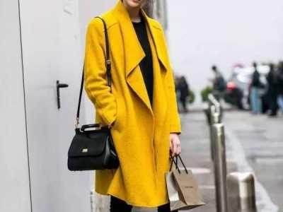 黑色包包配什么衣服 最��用的包包�c衣服的配色技巧