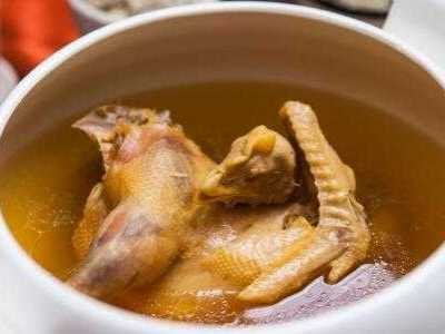 产妇喝浓汤好还是清汤 坐月子喝什么汤最好