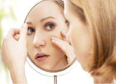 去除眼皮皱纹的方法 教你去除眼部皱纹小妙招