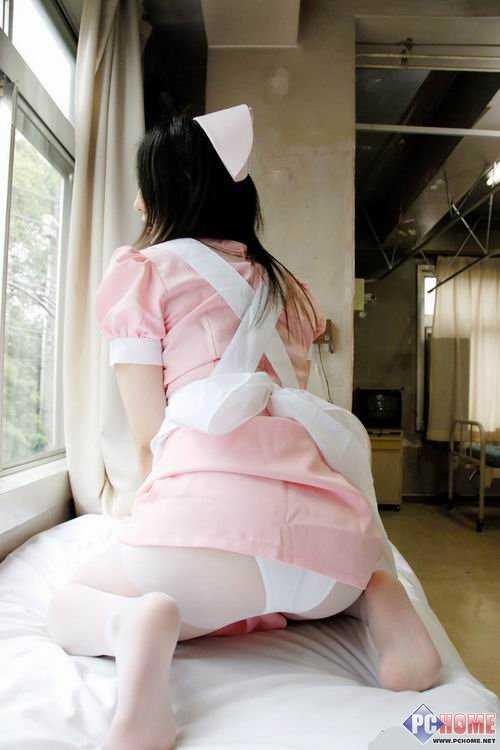 全裸美女真b图_裸体美女视频(无内裤) 美女的b 美女裸体全透明时装秀
