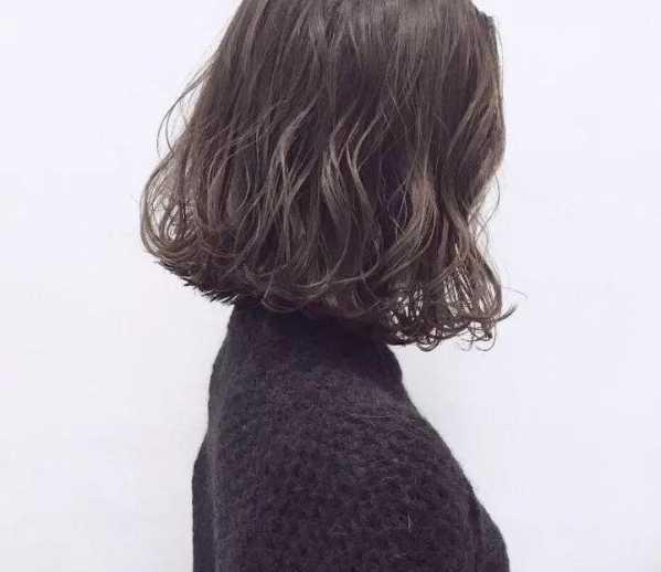 """发梢烫一个卷的发型 2018年流行""""烫小卷""""图片"""